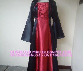 Sewa Kostum Drakula Wanita