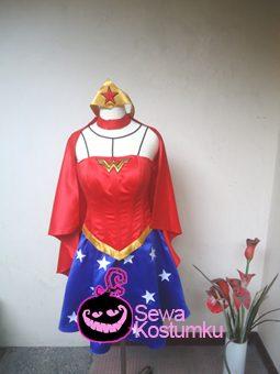Sewa Kostum Wonder Woman