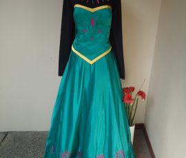 Sewa Kostum Princess Elsa dari anime Frozen